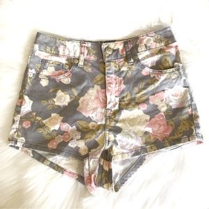 H&M Gray Floral Shorts Size 2
